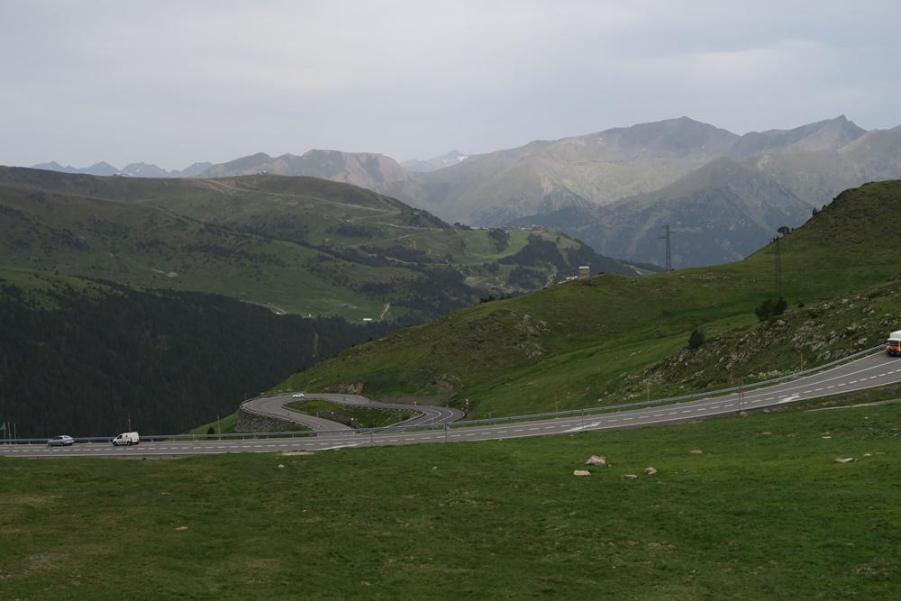 01.07.07.17 Auf dem EL Pas de Casa 2050 Meter, von F nach Andorra IMG_0465 (21)