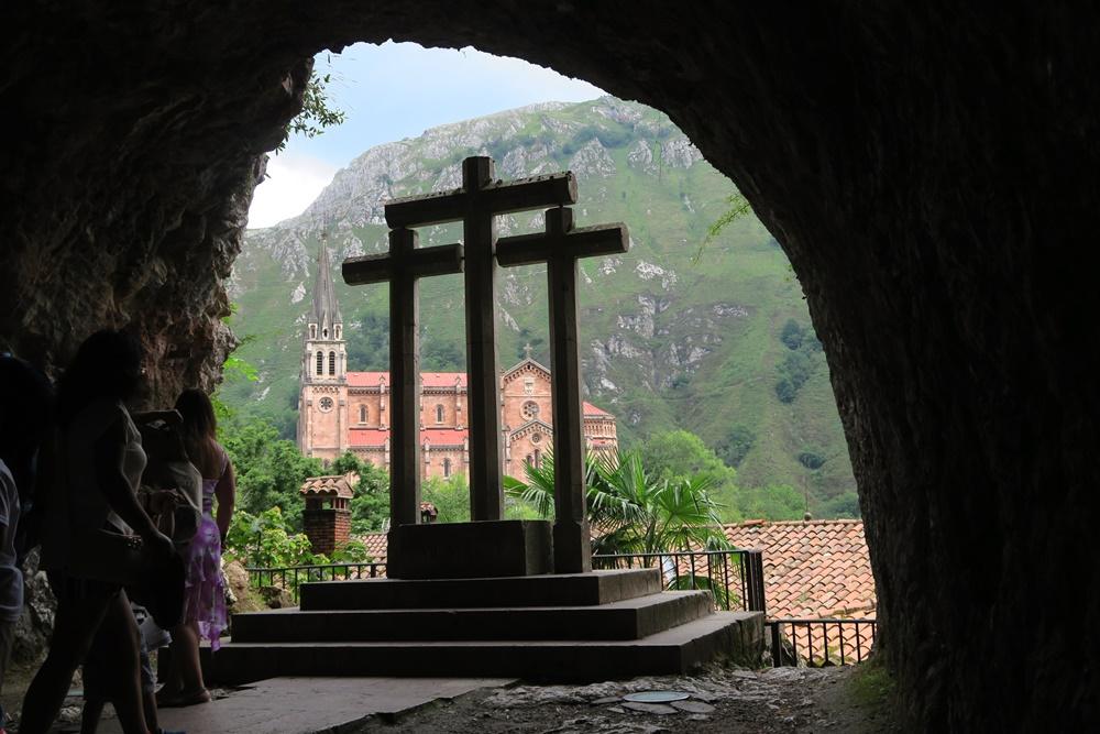 03..Covadonga Real Colegiata de Sanfernando Wallfahrtskirche IMG_1216 (3)
