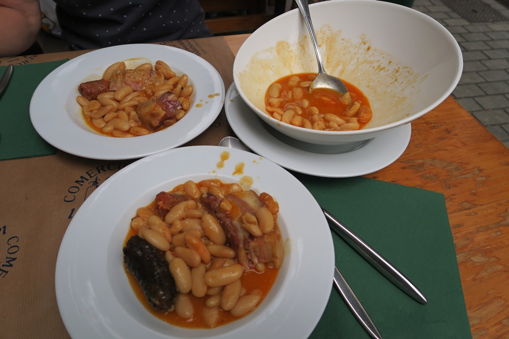 06..Cangas de Onis, unser Mittagsessen-Restaurant ,fabada asturiana Nationalgericht IMG_1232 (6)